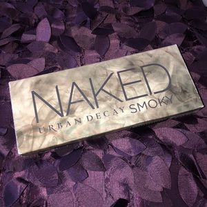 DISCONTINUED URBAND DECAY NAKED SMOKEY PALETTE
